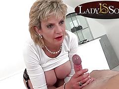 Erotic massage and handjob from Lady Sonia